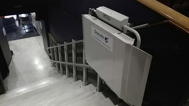 Ο κινηματογράφος ΤΡΙΑΝΟΝ εξοπλίζεται με ανελκυστήρα πλατφόρμα DELTA από τη Draculis!