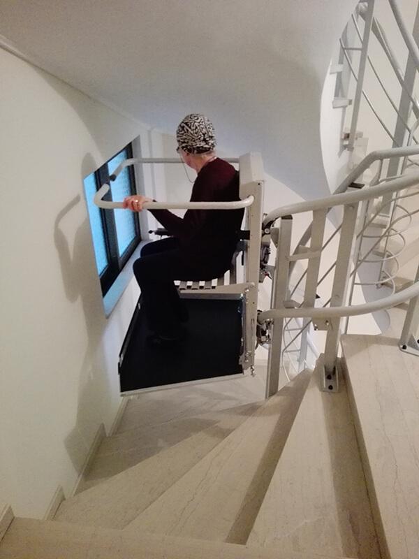 Εγκατάσταση ανελκυστήρα σκάλας